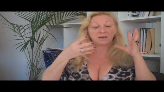 Burlesque Makeup Tips